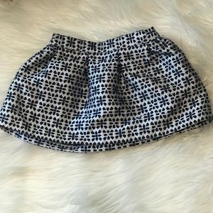 Genuine kids by Oshkosh skirt size 12 months